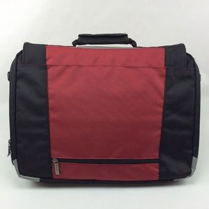 9ac428ed8fa5 Solo Active 17 Inch Laptop Messenger Bag